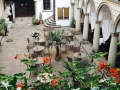 Italian-Courtyard-04