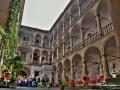 Italian-Courtyard-12