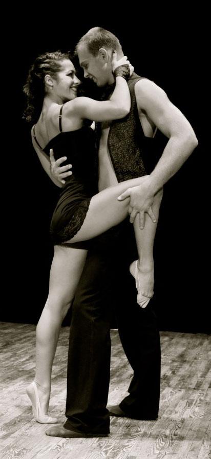 Yetenek Sizsiniz Ukrayna, Yetenek Sizsiniz Yarışması, Dans ve Aşk Hikayesi, Ukrayna Dans Gösterileri, Ukrayna Dans Yetenekleri, Duo Flame, Vladyslav, Aiusha