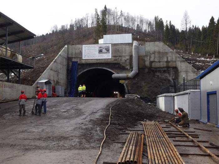 Beskidskiy Tüneli, Lviv Beskidskiy Tüneli, Ukrayna Lviv Demiryolu, Ukrayna Lviv Wokzal, Lviv Tren İstasyonu, Lviv Tünel Açılışı, Ukrayna Tünelleri