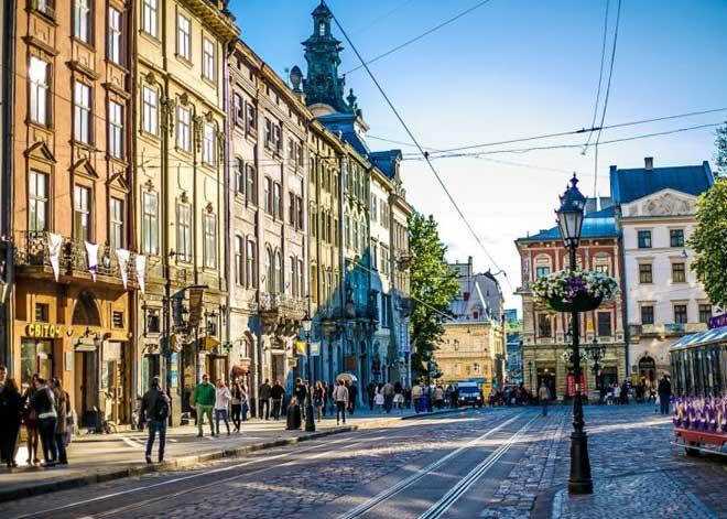 Lviv Pazar Meydanı | Lviv Haber