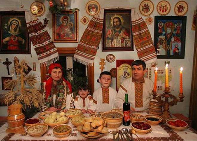 Lviv Güne Özel, Lviv Noel, Lviv Christmas, Lviv Nicholas Day, Lviv Yıl Başı Yemekleri, Ukrayna Yemek Kültürü, Ukrayna yemekleri Türk yemeklerine benziyor mu, Lviv de ne Yenir