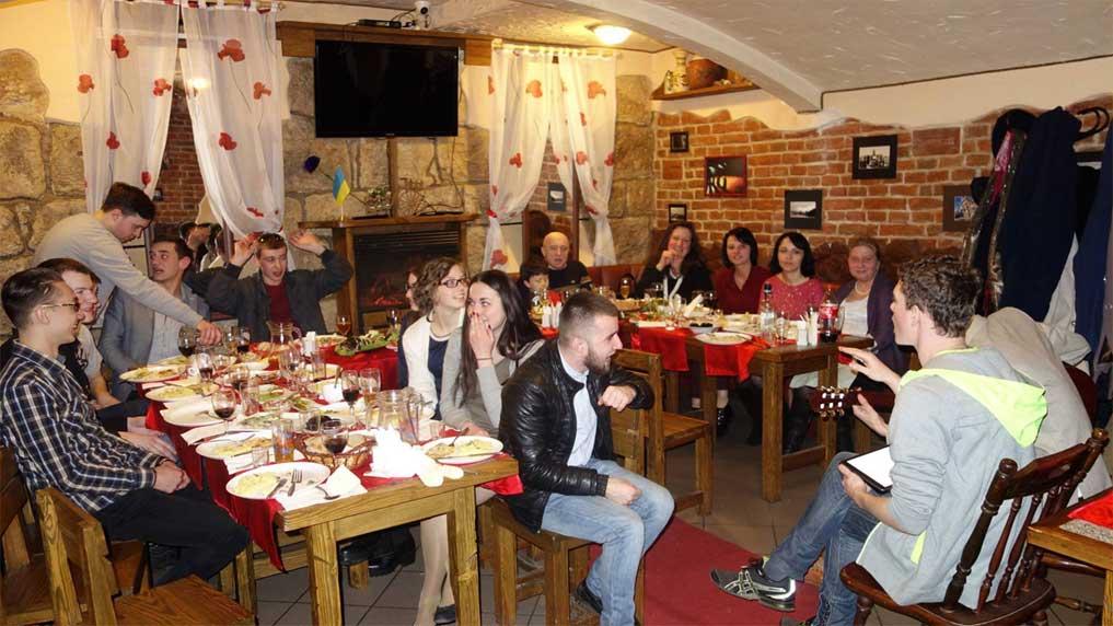 Lviv Bodrum Restoran, Lviv Türk Yemekleri, Lviv Helal Et, Bodrum Restaurant Lviv, Lviv Türk Restoran, Lviv Saffet Çetinkaya, Lviv Metro Club Türk Restoran