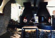 Lviv Arsenal Et ve Kaburga Restoran, Lviv en iyi restoranlar, lviv de nerede yemek yenir, Lviv Lokantaları, Lviv Yemek Kültürü, Lviv Yemekleri, Lviv