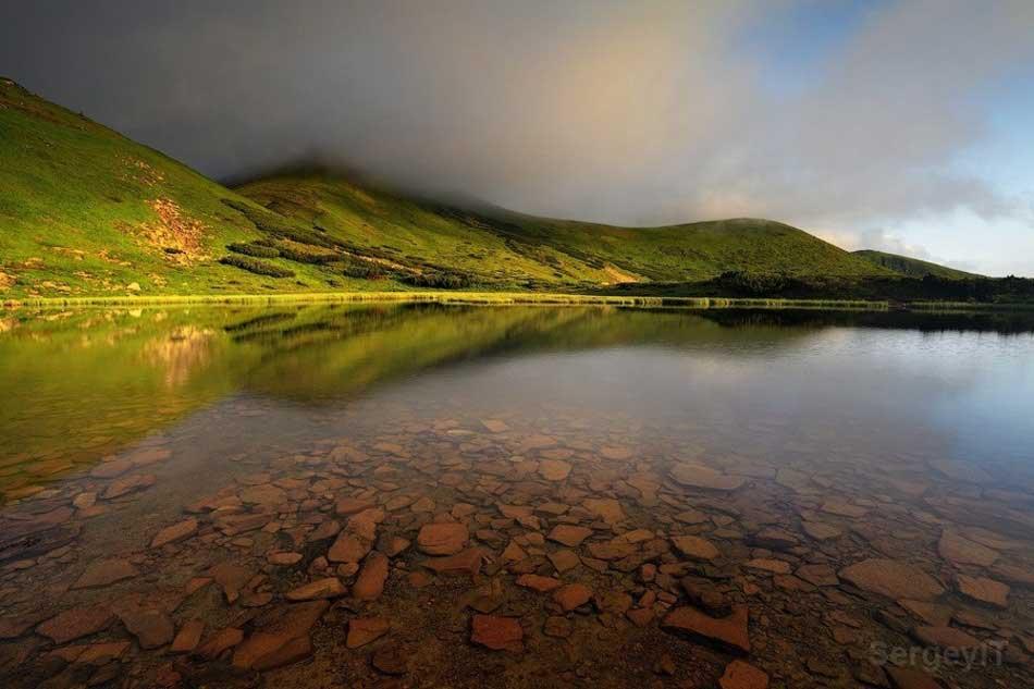 Nesamovyte Gölü Foto.: SergeyIT