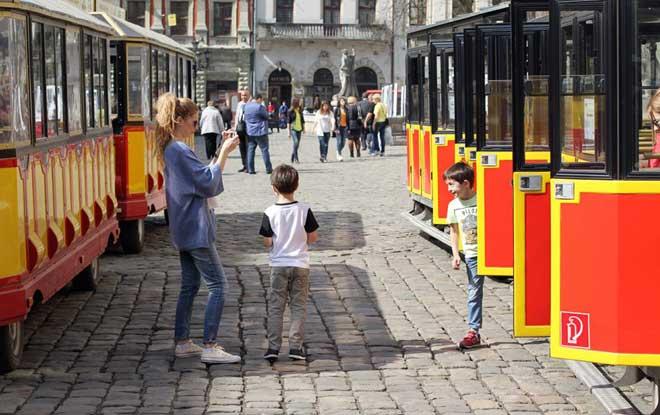 Çocuklu aileler için Lviv Tavsiyeleri, Çocukla Lviv 'e gidilir mi, Aile ile Lviv e gidilir mi, Lviv Aile için uygun mu, Ukrayna, Lviv, Lviv Ukrayna, ukr-ayna, lviv ukrayna