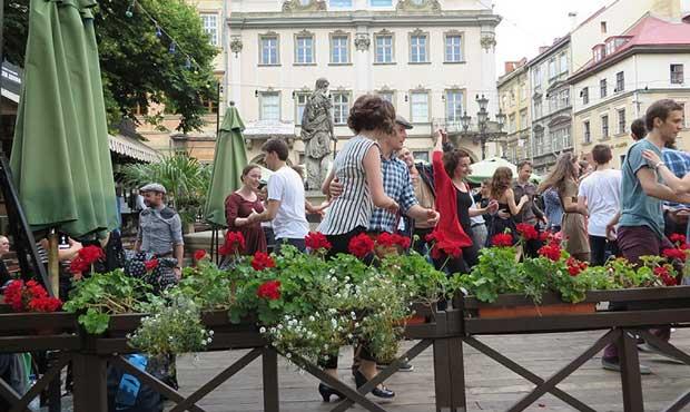 Çok Gezen Adam, Lviv de 3 hafta, Lviv Gezi Rehberi