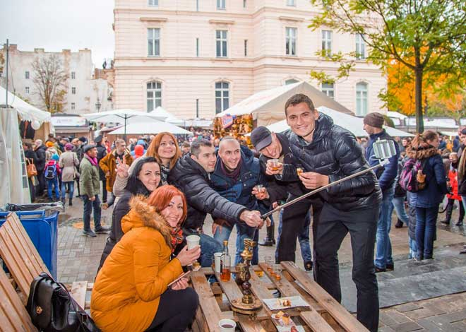 Lviv Peynir ve Şarap Festivali, Lviv, Ukrayna, Peynir, Şarap, Ukraine, wine, vino, Ukrayna peyniri, Lviv de peynir nereden alınır, Ukrayna Şarap Fest, Fest